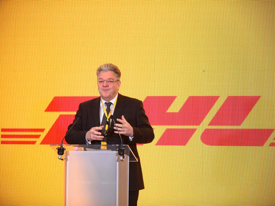 John Pearson a DHL nyitóünnepségen